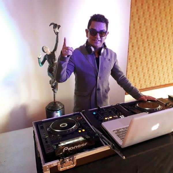 DJ-Juli-Vargas-Bodas-Nogal