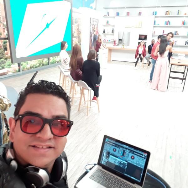 DJJuliVargas-Caracol