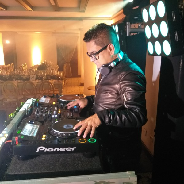 DJ-Juli-Vargas-Bodas